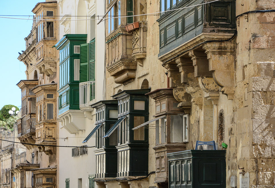 Traveling the World Malta Valletta Balconies