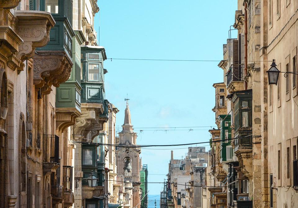 Traveling the World Malta Valletta Houses Balconies
