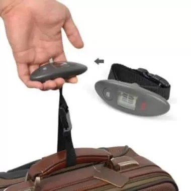 Portable Luggage Scale e1553622266611 - 11 Best Travel Gifts for Your Traveler Friends
