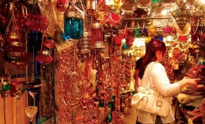 Shopping in Jaipur e1559272880242 - Shopping Tourism, Top 5 Famous Shopping Destinations in India