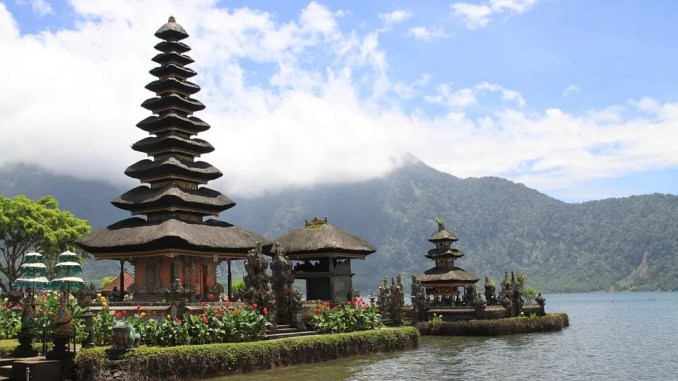 Bali Indonesia 678x381 - Bali First Timers Helpful Hints