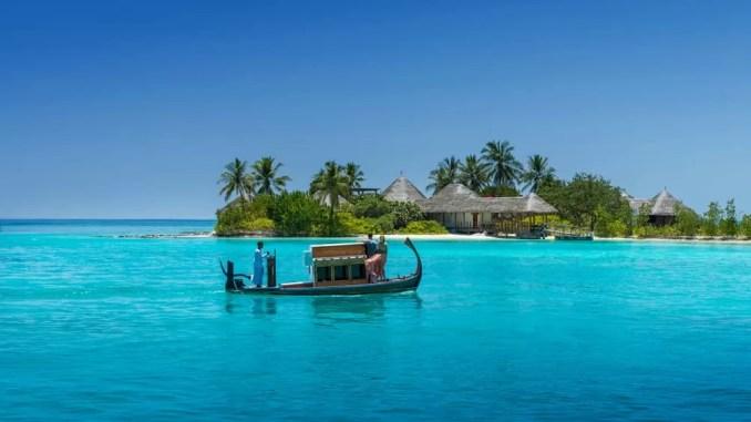 Four Seasons Resort Maldives 678x381 - Top Maldives Holiday Resorts