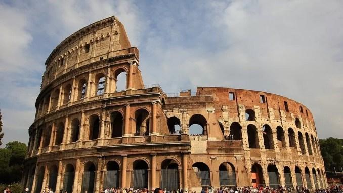 Rome Italy Colosseum 678x381 - Eco Tourist | Eco-Friendly Travel Tips For You Next Trip