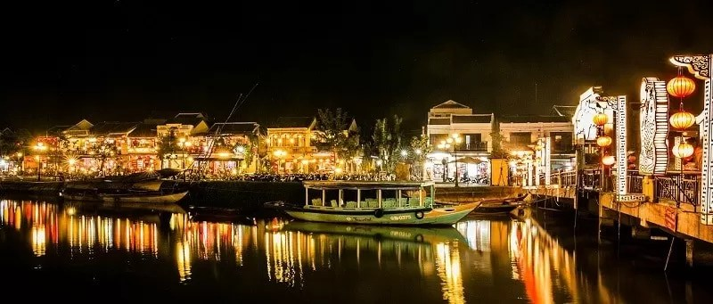 Things to do in Hoi An at night
