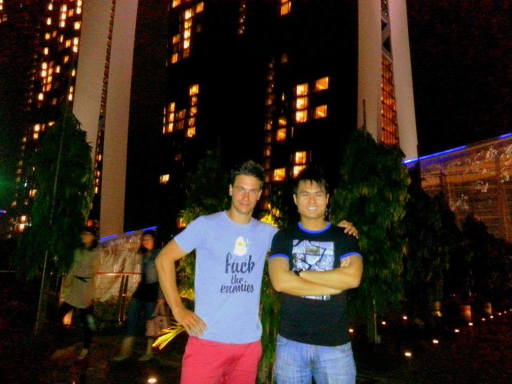 With Roman (Russian) in Singapore (Experienced Solo Travelers)