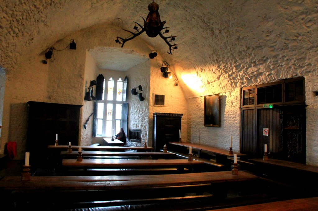 A bone chilling photo at the Hall of the Bunratty Castle