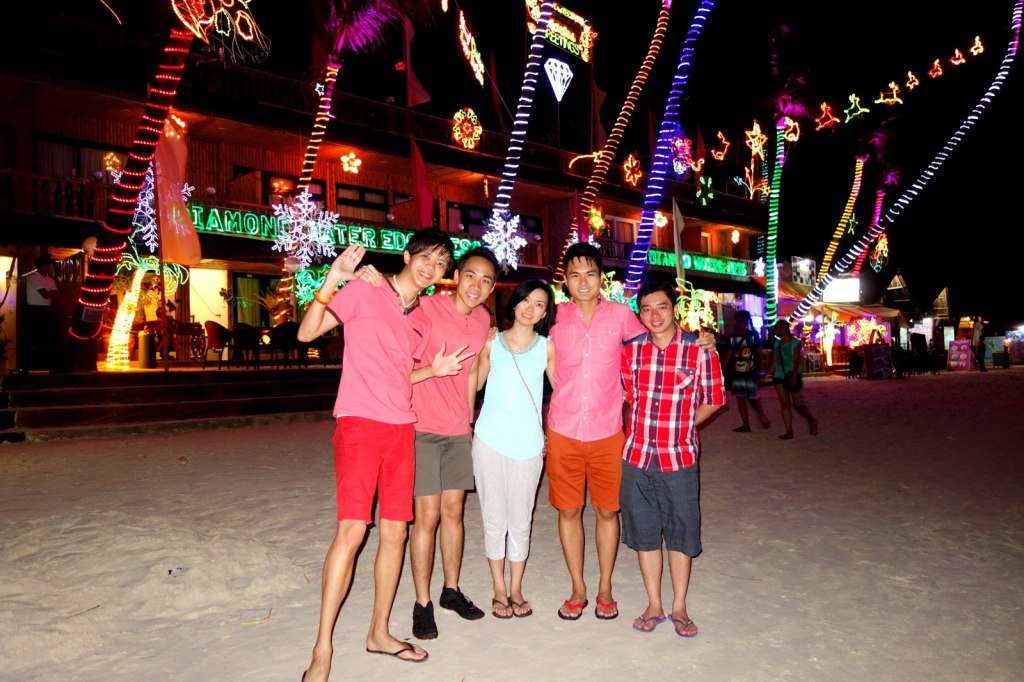 The Colourful Xmas Evening in Boracay