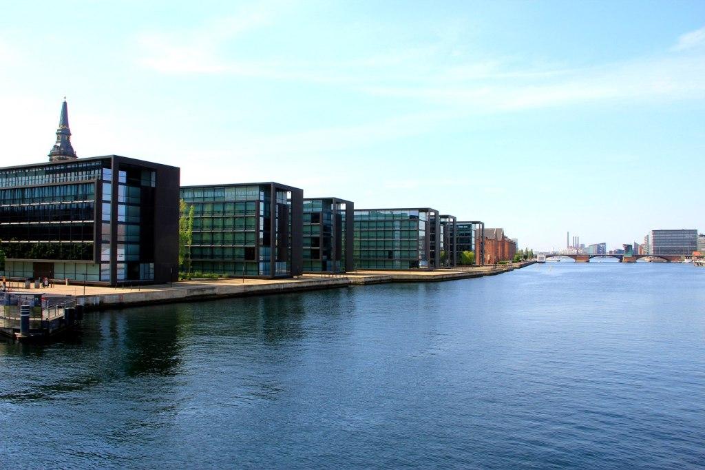 Modern Architecture & beautiful canal in Copenhagen