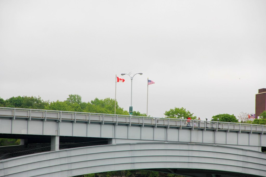 The Rainbow Bridge draws the border between US and Canada