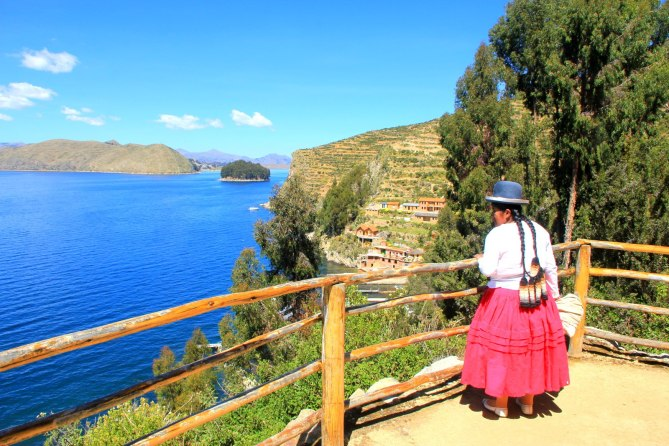 Traditional woman in Lake Titicaca