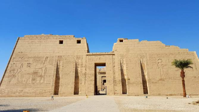 No one in the temples in Luxor, Egypt! :-(