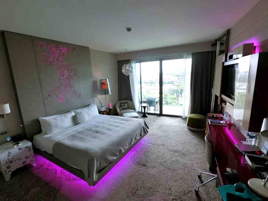 W Singapore Fabulous Room
