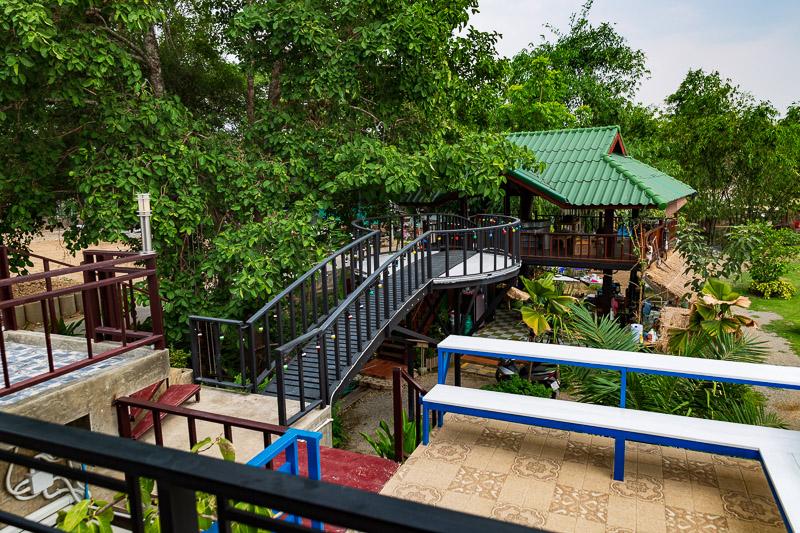de rose hotel cafe outlook travel is sweet