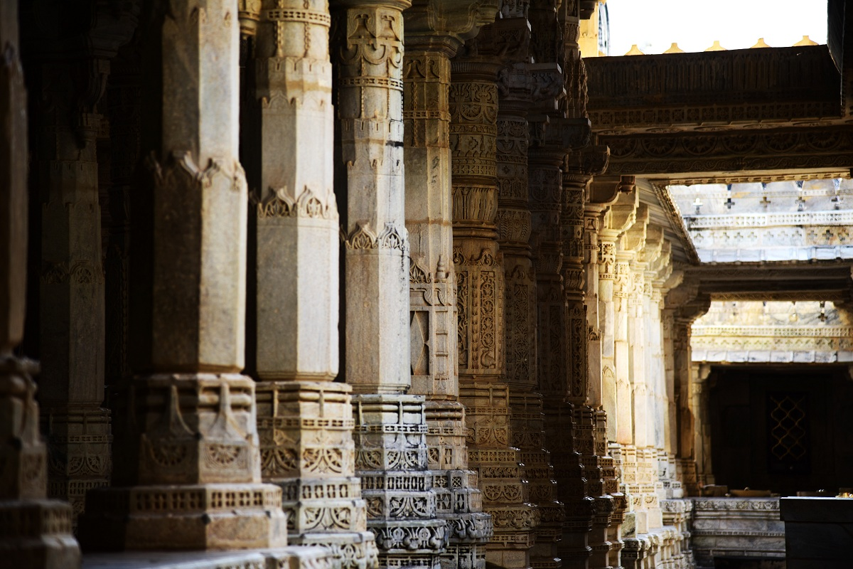 Play of light at Ranakpur Jain temples