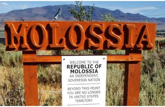 Republic of molossia: सिर्फ 33 लोगों की आबादी वाला देश