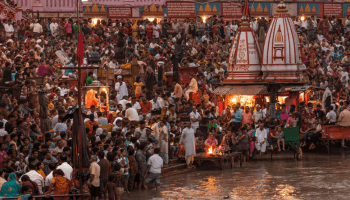 haridwar money picker found a silver crown in ganga while searching for money