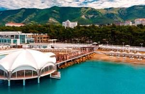 Отели Геленджика с бассейном рядом с морем