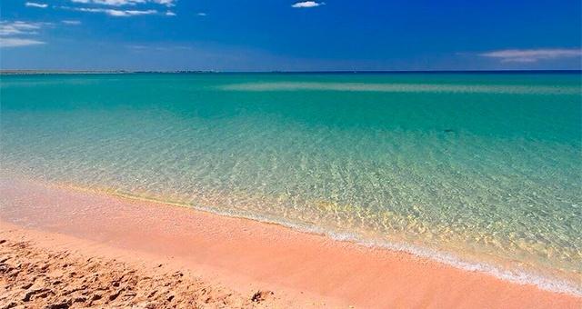Отели Оленевки Крым возле моря с бассейном