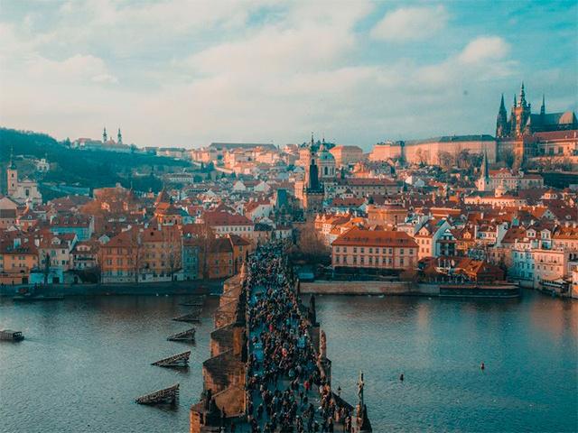 По Праге — на автобусе и пешком!