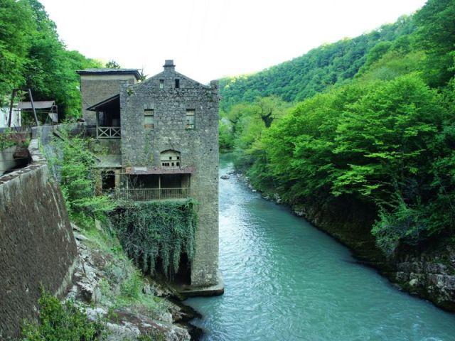Экскурсия: Необычная Абхазия: автомобильный тур из Адлера