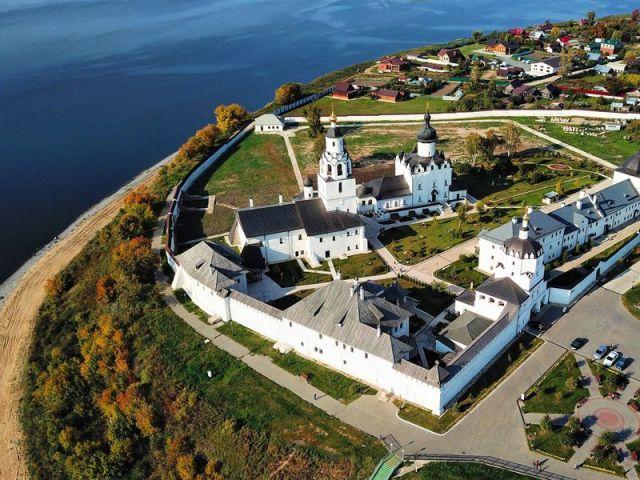 Экскурсия 2в1: остров-град Свияжск и Голубые озёра
