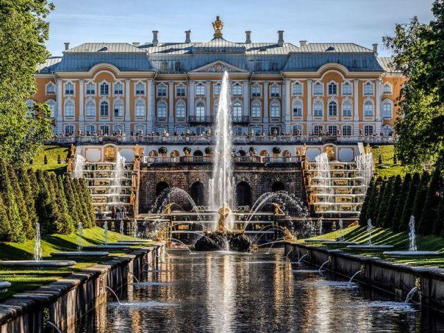 Экскурсия: Петергоф и Кронштадт на автомобильной экскурсии