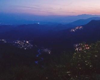 Mont di Prat di notte