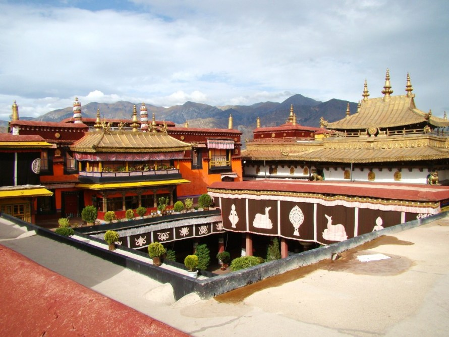 The Potala Palace, cheap flights to tibet, things to do in tibet, tibet travel guide, tibet tourism, tiber tour guide, tibet holidays, tibet holiday packages, cheap flights to china, direct flights to china, last minute flights to china, cheap flights to Beijing, direct flights to Beijing, things to do in Beijing, Beijing tourism, tibet blog, china tavel blog, Jokhang Temple Hd, Jokhang Temple, tibet travel blog