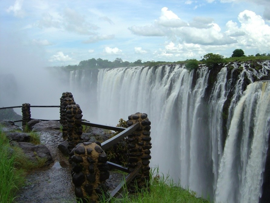 cheap flights to zimbabwe, last minute flights to ziimbabwe, things to do in zimbabwe, last minute flights to zimbabwe, zimbabwe tour guide, zimbabwe tourism, zimbabawe travel plans, flights to zimbabwe, zimbabwe safari, victoria falls,