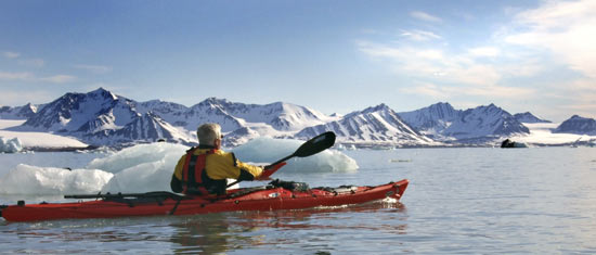 550x235_kayaking_Spitsbergen