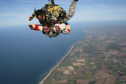 skydiving-721300_1280