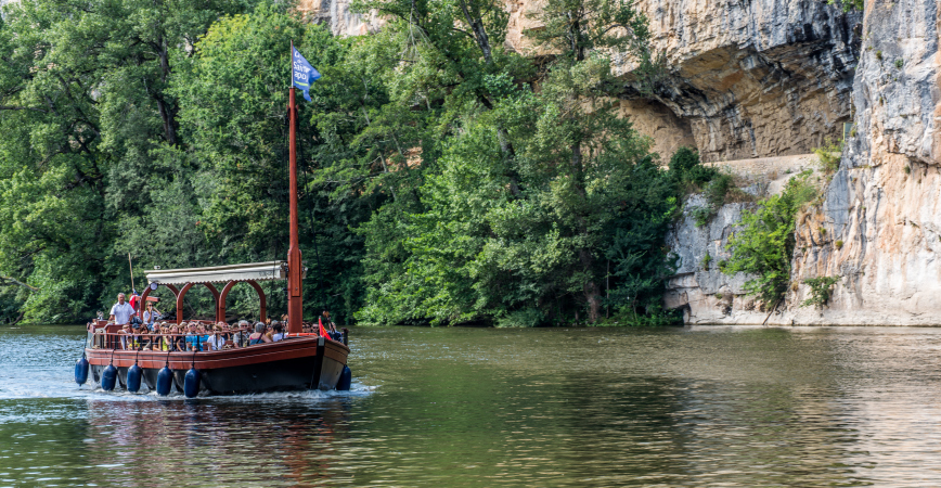 Boat trips along the River Lot in the south of France