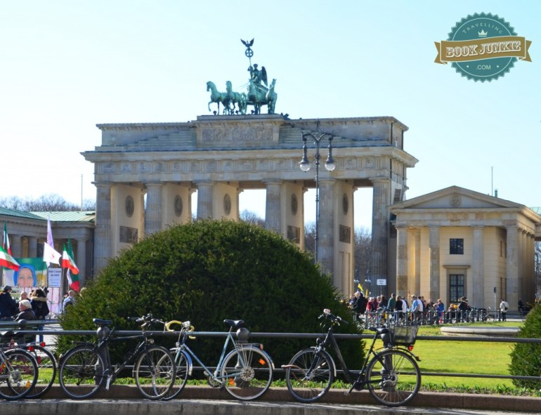 The-Brandenburg-Tor-also-known-as-the-Brandenburg-Gate