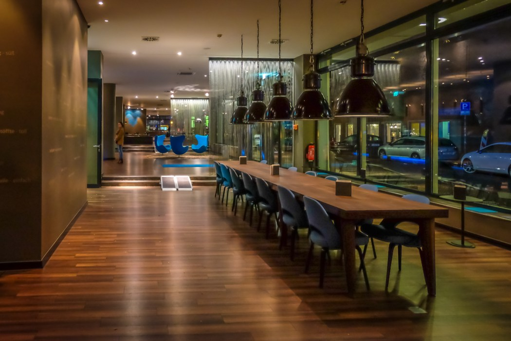 Bar, Motel One, Essen, Germany