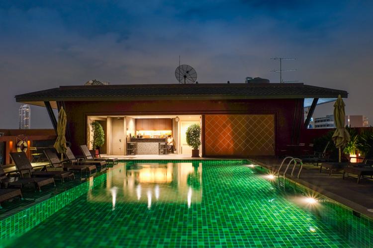 rooftop bar, Csa Nithra, Bangkok, Thailand, travelling, travel, Travelling Book Junkie
