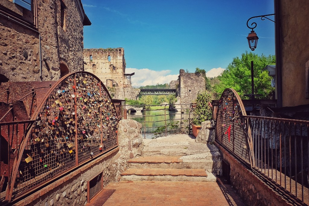 Viscounti Bridge, Borghetto, River Mincio, Italy, Lake Garda, Travelling, Travel, Travelling Book Junkie