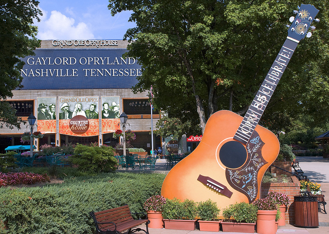 Nashville, Grand Ole Opry House, Family Vacation, holidays, Travel, Travelling Book Junkie