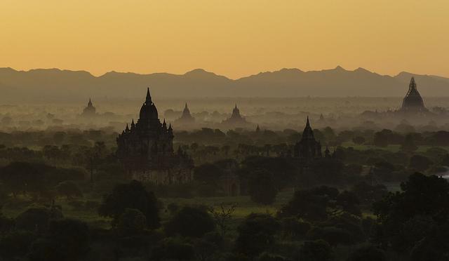 Bagan, Burma, temples, Travel, Luxury travel, Travelling book Junkie, wish list