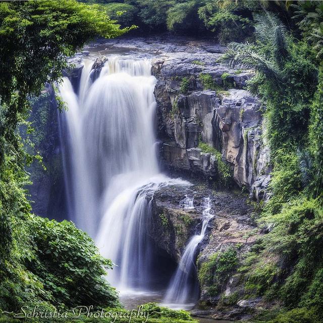 Tegenungan Waterfalls, Ubud, Bali, Indonesia, Travel, Travelling Book Junkie