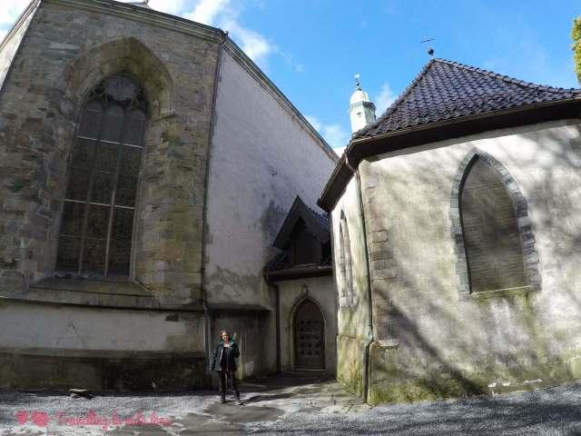 La única zona de la catedral de Bergen que no tenía andamio