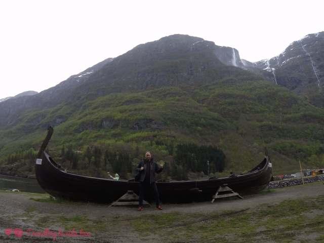 Me encanta la facilidad con la que nos íbamos encontrando con barcos vikindos durante el viaje... 😍