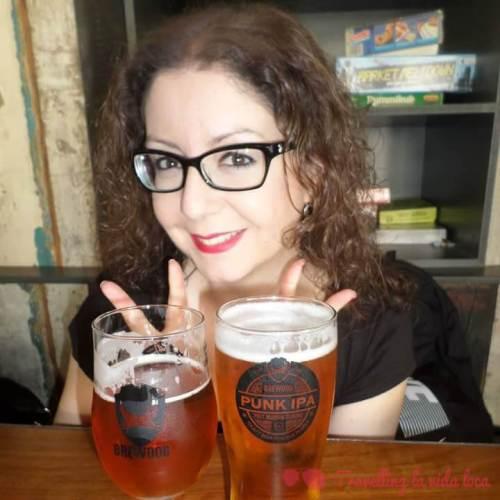 Una Elvis Juice y una Punk IPA en el Brewdog Pub de Camden (Londres, 2016)