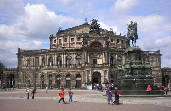 Travelling in Prague and Dresden with Expat Explore travellivelearn.com