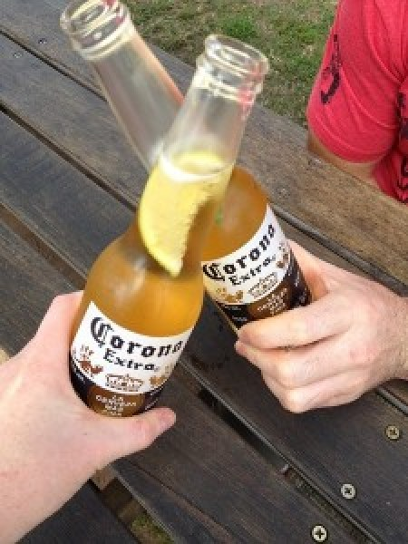 14_time_for_an_afternoon_beer_with_cooper_at_the_courty