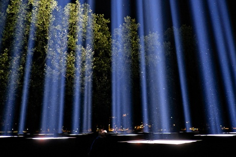Background story and image source: http://www.theguardian.com/artanddesign/2014/aug/05/ryoji-ikeda-spectra-first-world-war-artangel