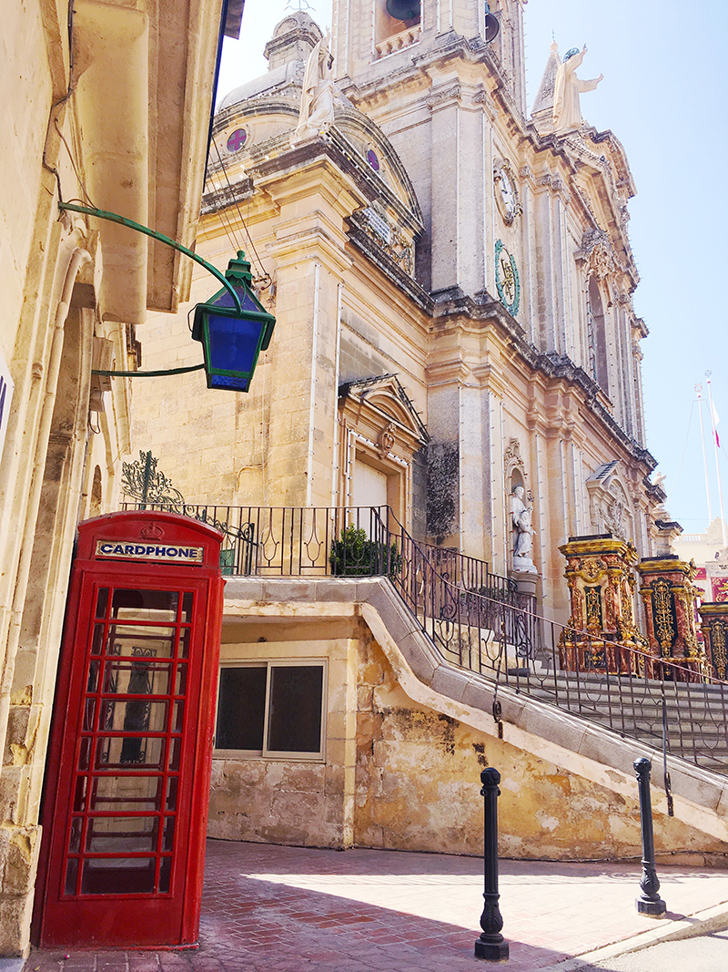 Mindfulness on a Malta vacation - look around, breathe it all in