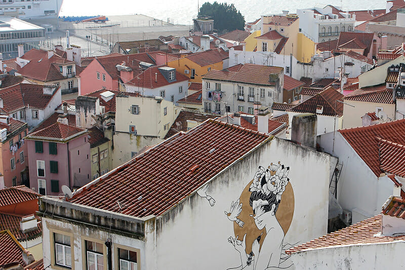 3 days in Lisbon - building art and beautiful views from Alfama