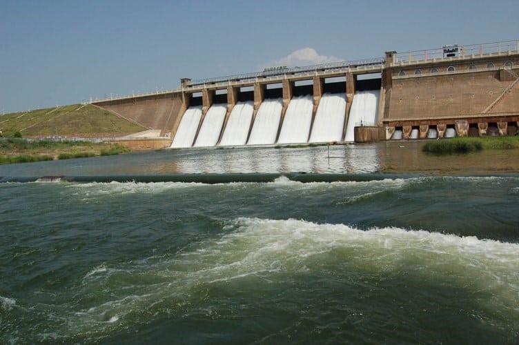 beautiful-photo-of-vaigai-dam-water-flowing1-jpg