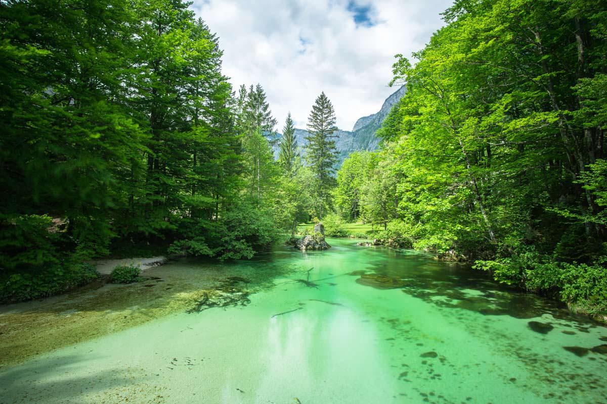 Beim Wandern durch den Nationalpark Triglav kreuzen wir die wunderschöne Savica
