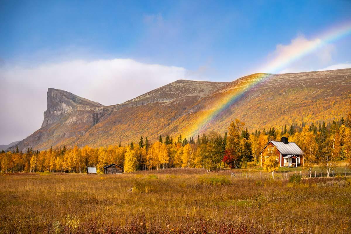 Regenbogen am Skierffe und über Aktse